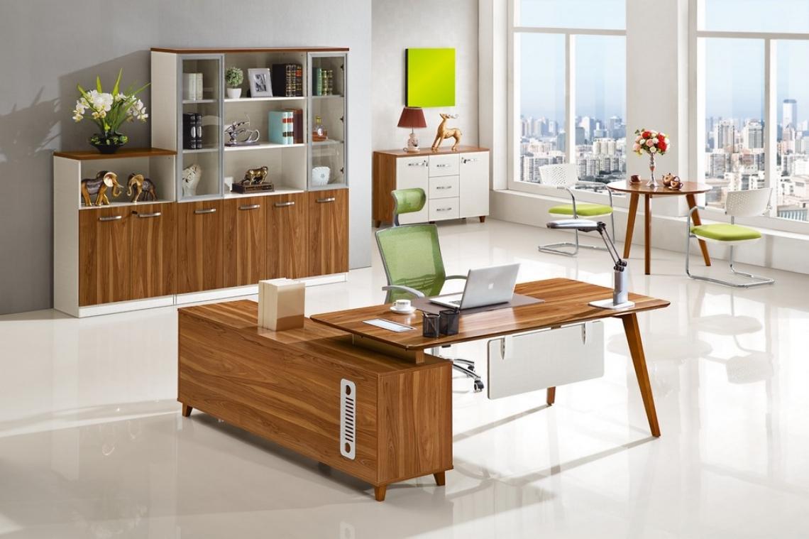 Wielofunkcyjne biurko drewniane